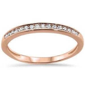 rose gold diamond wedding band